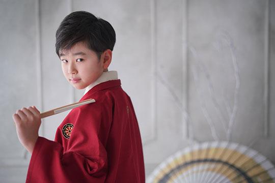 小学校卒業の記念に袴姿での撮影